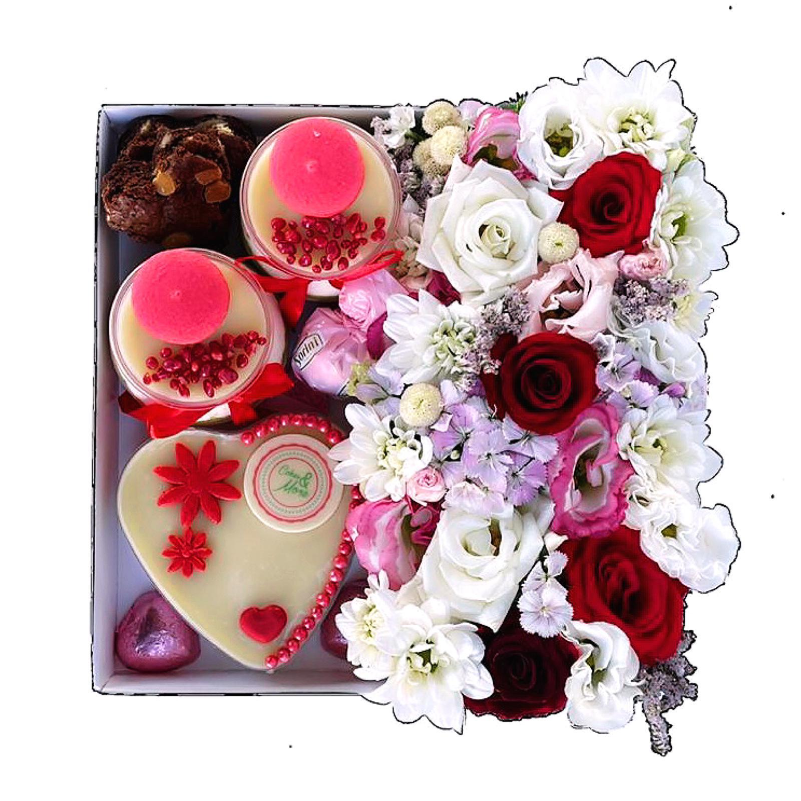 מארז פרחים וקינוחים בינוני